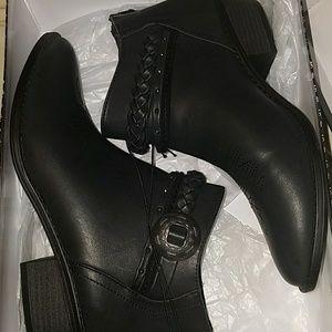 Dolce Vita Black Elda Western Style Boot.